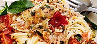 Spagetti med tunfisk og fennikelsalat