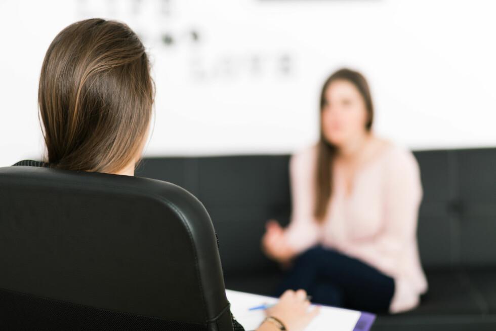 SORTERE TANKENE: Ifølge Kjøs blir et møte med en psykolog et slags laboratorium hvor du kan teste ut andre måter å være på og få en annen respons enn du pleier. Foto: photopitu - Fotolia