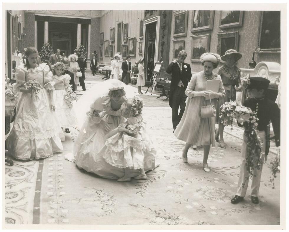 ETTER BRYLLUPET: Her er Diana og den yngste brudepiken hennes.  Foto: Polaris