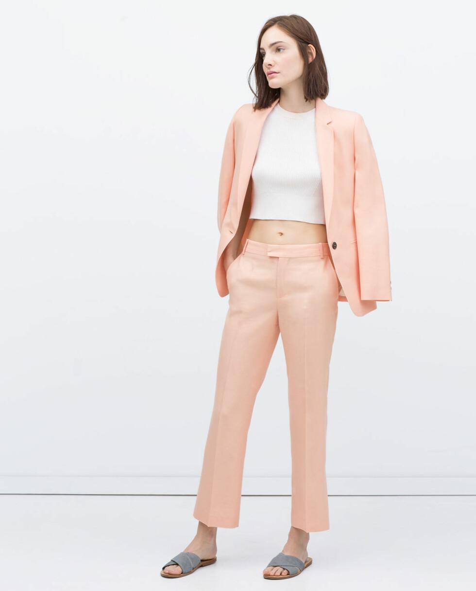 Jakke fra Zara, kr 499 og bukse fra Zara, kr 199. Foto: Produsenten