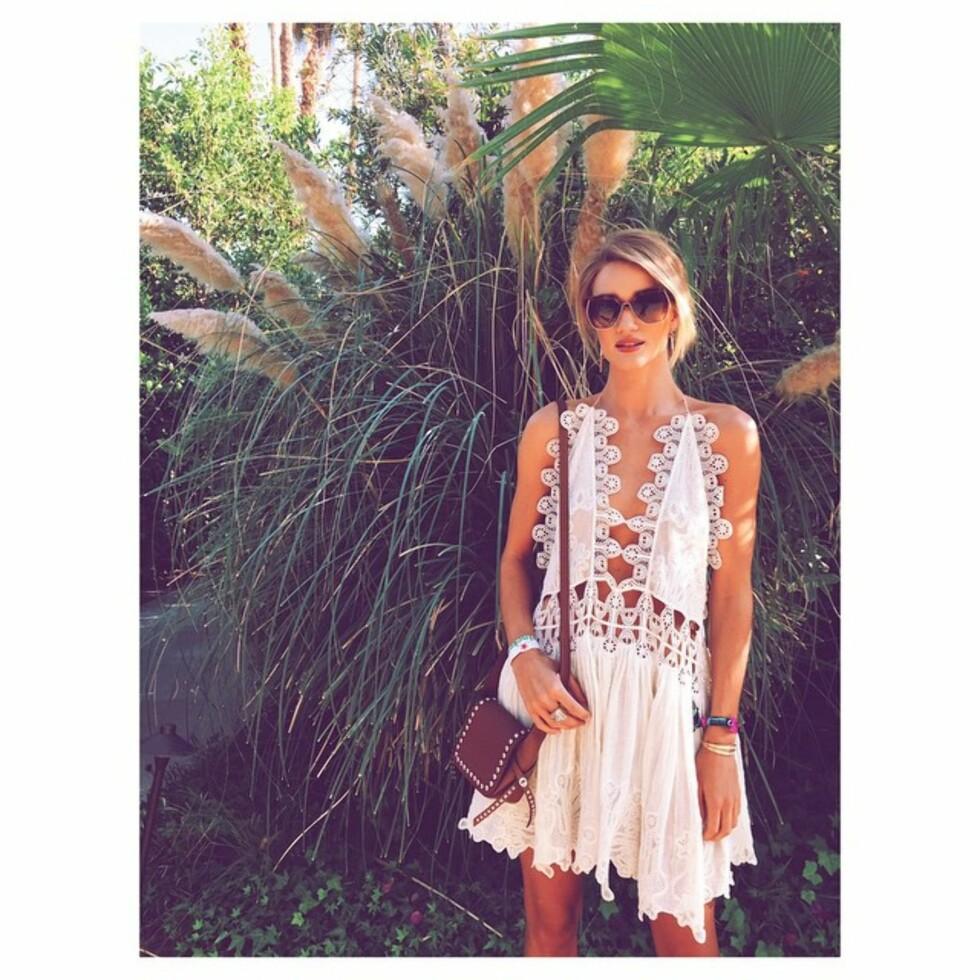 PÅ COACHELLA: Rosie Huntington-Whiteley brukte kjolen på festivalen Coachella i vår. Foto: SipaUSA