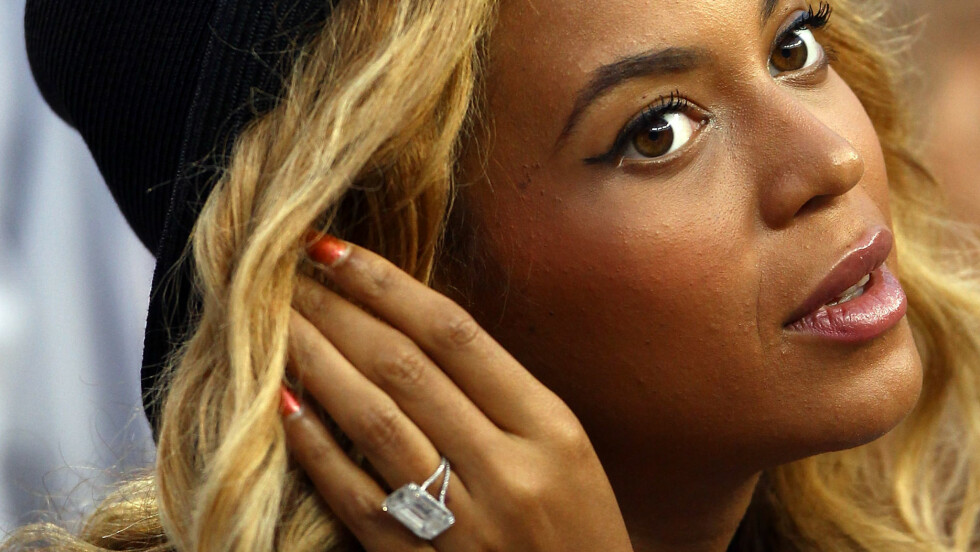 DYR FORLOVELSESRING: Denne fantastiske ringen tilhører Beyonce og koster 5 millioner dollar. Foto: Afp