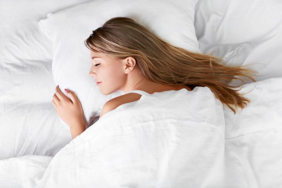BYTT OFTE OM SOMMEREN: Hvis det er varmt og du svetter mye, kan du med fordel skifte på sengen hver uke.  Foto: Deklofenak - Fotolia
