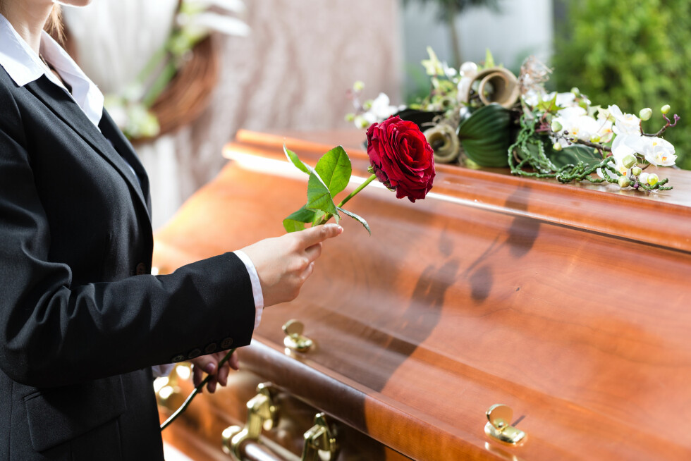 AVSKJED: Sang og musikk er en svært viktig del av en begravelse. Og her er de sangene som er mest populære. Foto: Kzenon - Fotolia