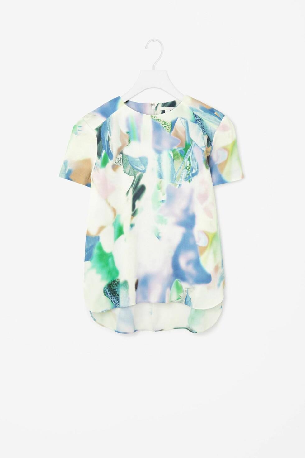 T-skjorte fra COS, kr 349. Foto: Produsenten