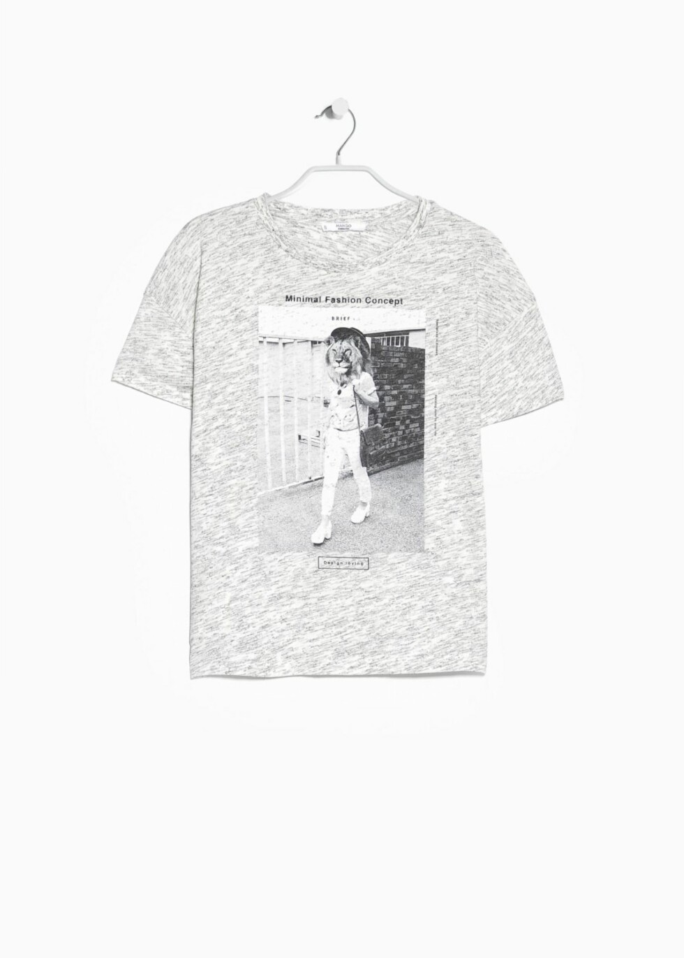 T-skjorte fra Mango, kr 74. Foto: Produsenten