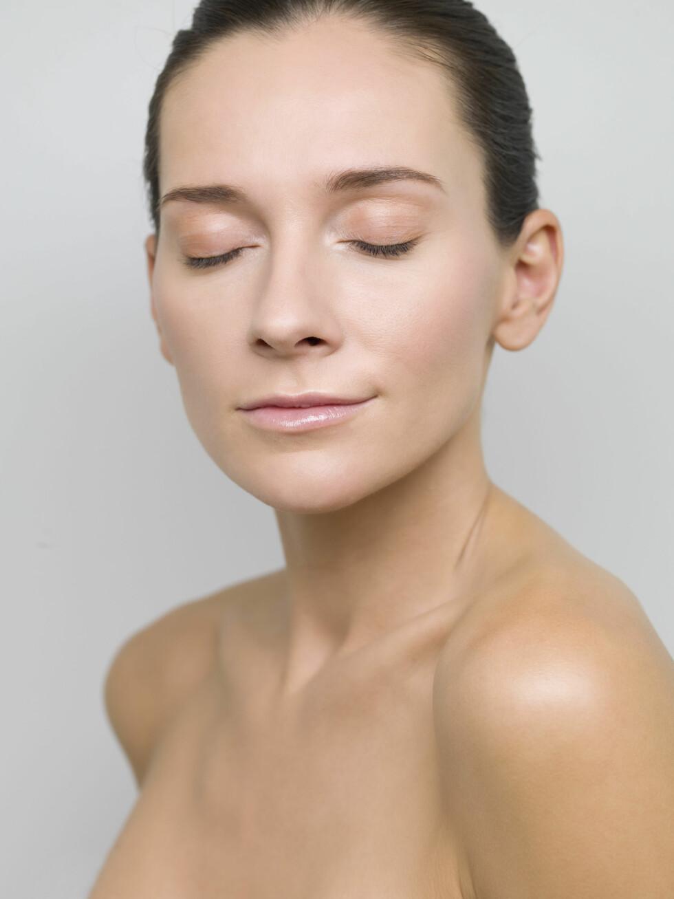 PUST: Forsøk å stresse ned med pusteteknikk. Da kan det hende hodepinen slipper. Foto: Scanpix