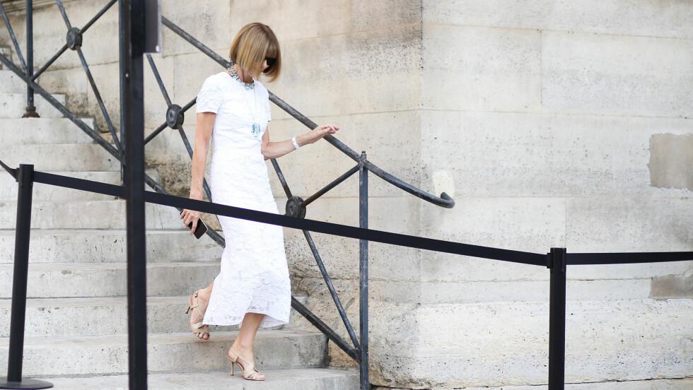 MOTELEGENDE: Vogue-redaktør Anna Wintour er en favoritt blant streetstyle-fotografene. Foto: Abaca