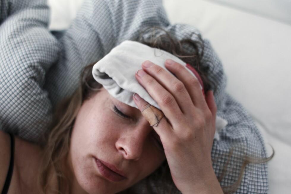 VONDT: Spenningshodepiner kan bli svært plagsomme, og blir bare verre og verre utover dagen.  Foto: Samfoto Mira