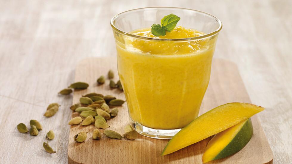 MANGOSMOOTHIE: Ingenting smaker bedre enn en forfriskende smoothie på en varm sommerdag!  Foto: Grete Roede AS