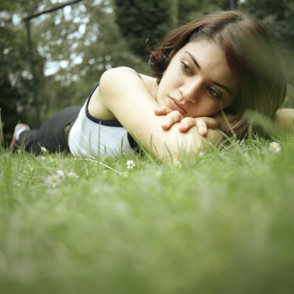 SINGEL: Singellivet kan føles skremmende og ensomt dersom du er vant til å ha en kjæreste å lene deg på. Foto: Plainpicture