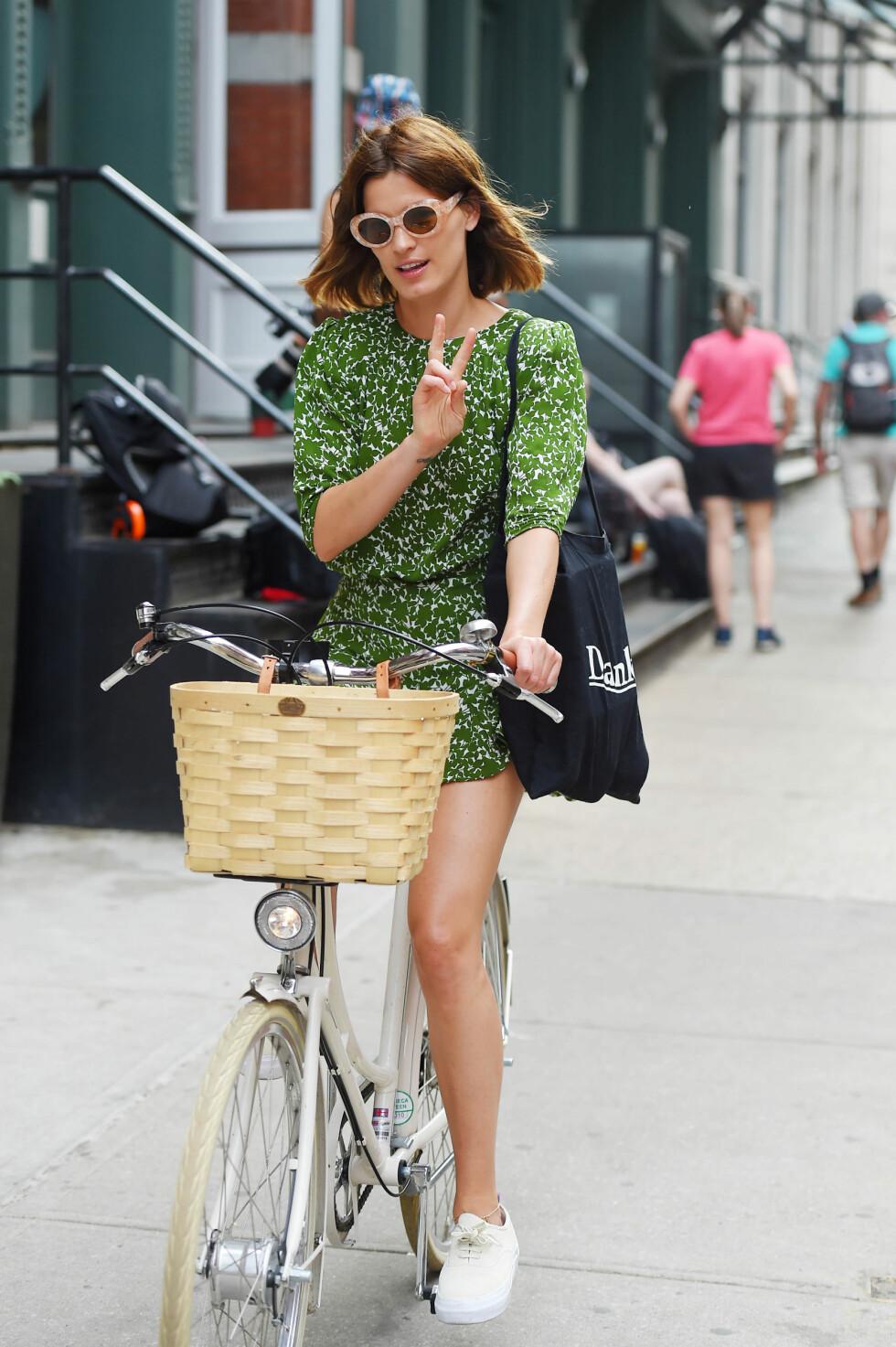 Hanneli Mustaparta i grønn kjole.  Foto: Scanpix
