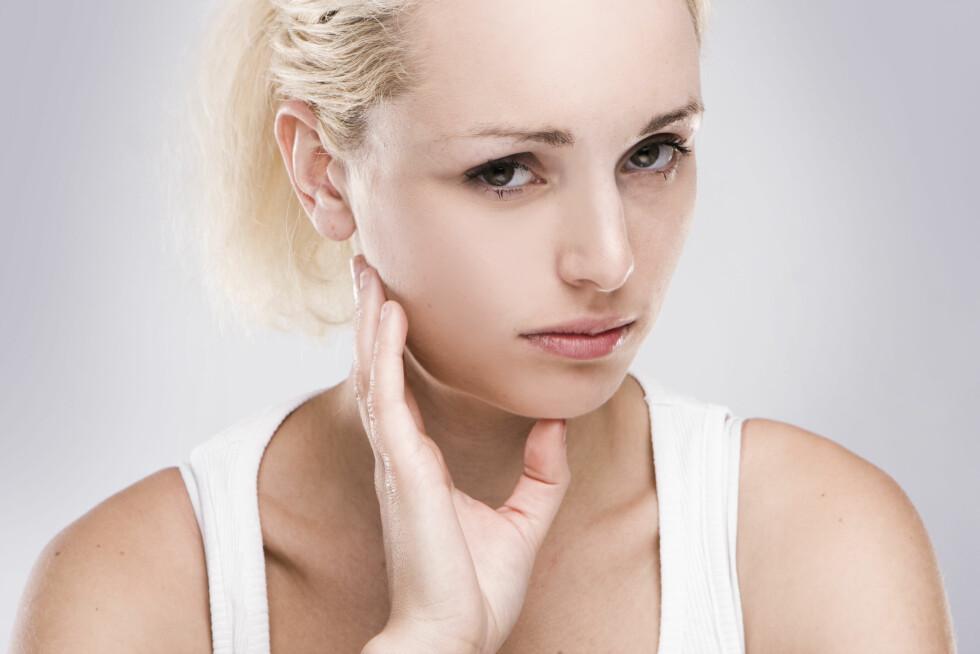 ANSPENT: Tanngnissingen kan føre til anspente kjevemuskler og hodepine når du våkner på morgenen. Foto: Scanpix/NTB