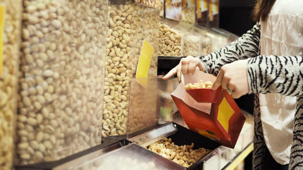 <strong>KALORIER:</strong> Noen typer nøtter har mer fett, og dermed også mer kalorier, enn andre nøtter. Vet du hvilke? Foto: Scanpix/NTB