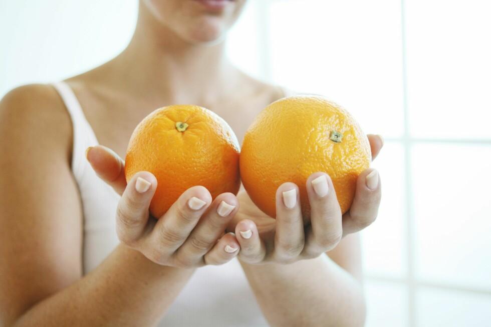 VITAMIN C: Uansett hvor mange appelsiner du spiser vil det ikke kunne kurere en forkjølelse. Du kan kun ta tiden til hjelp. Foto: Scanpix/NTB