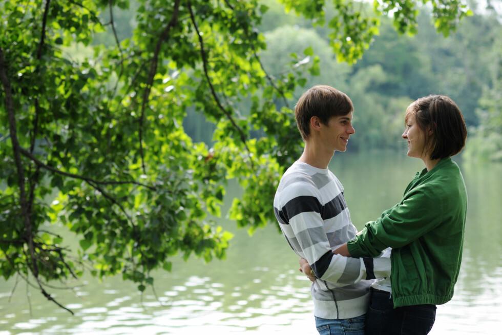 <strong>STIKKER DYPT:</strong> Selv om en forelskelse også kan innebære fysisk tiltrekning, handler det også om flere andre ting. Foto: Frank May /NTB scanpix