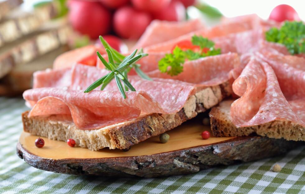 GODT VALG: Salami som reklamerer med mindre fett og mer kjøtt er faktisk et bedre valg. Foto: Fotolia