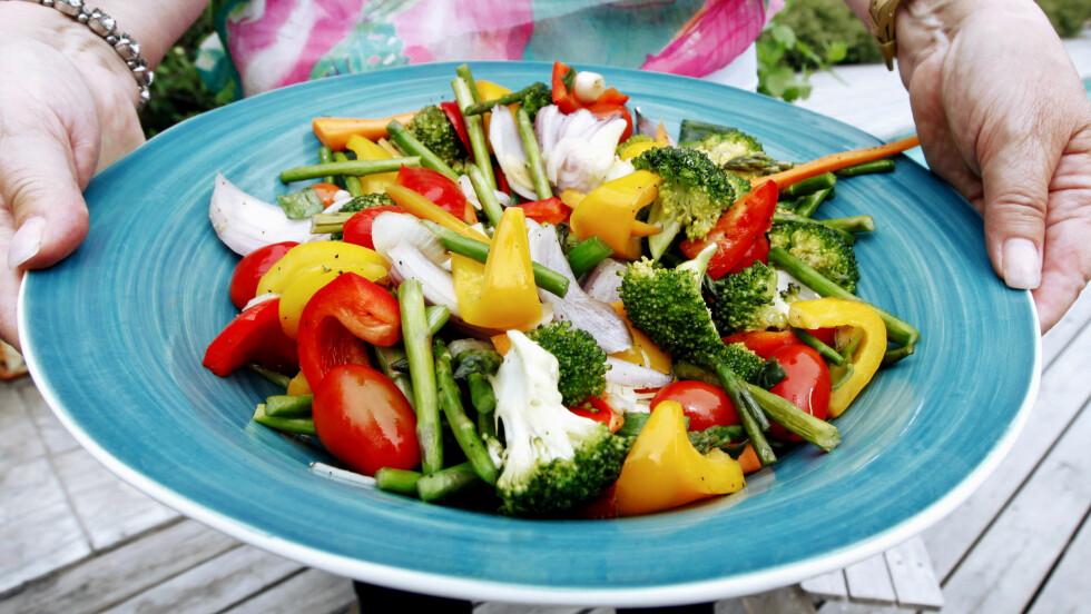 BROKKOLI, SPINAT OG TOMAT ER DE TRE PÅ TOPP: Selv om alle typer grønnsaker er godt for helsa er det likevel noen typer som er ekstra næringsrike og sunne. Disse bør du gå for. Foto: Scanpix