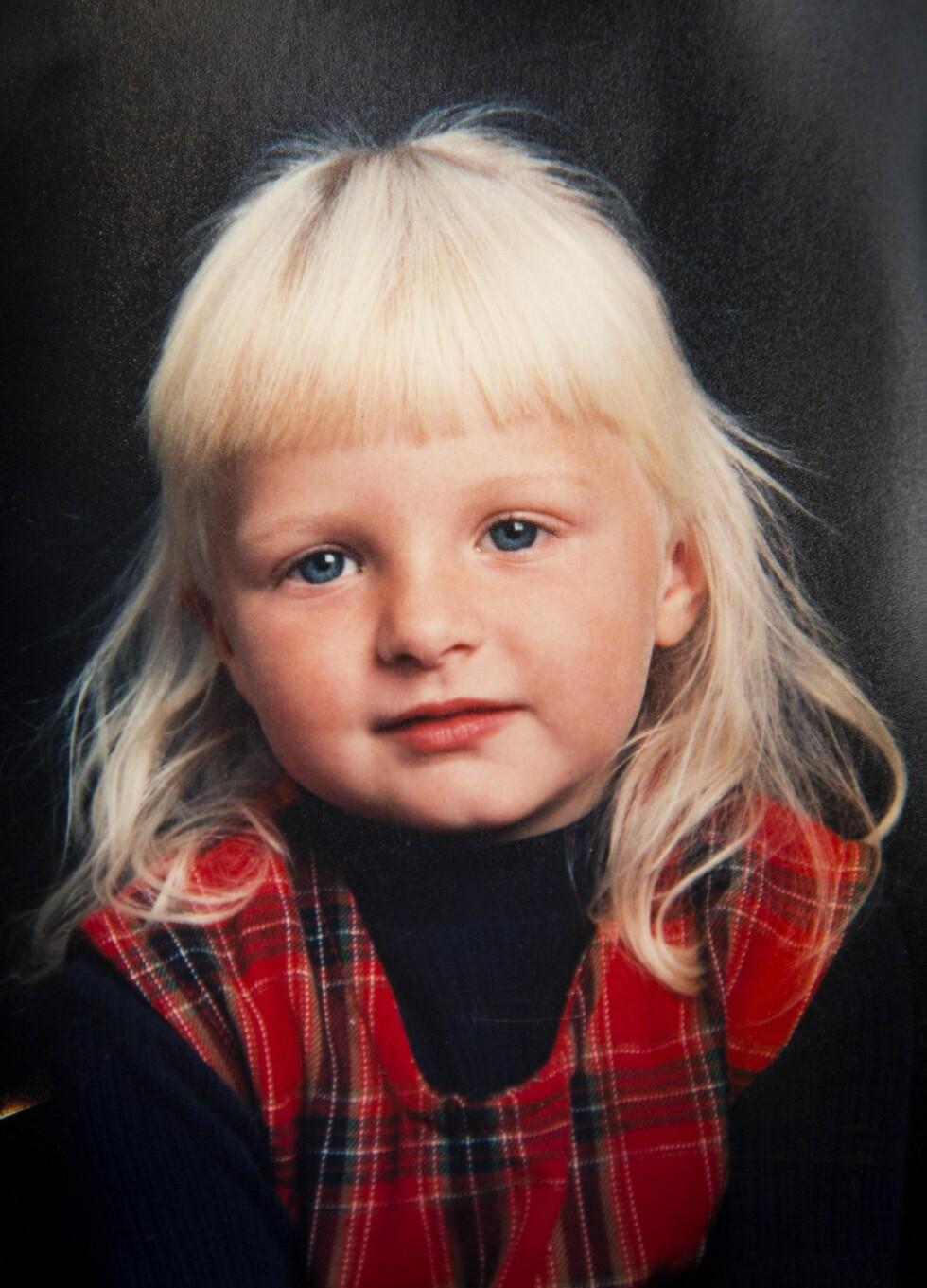 FIKK VITE SANNHETEN: Helle var 7 år da moren fortalte at hun var donorbarn. Foto: Privat