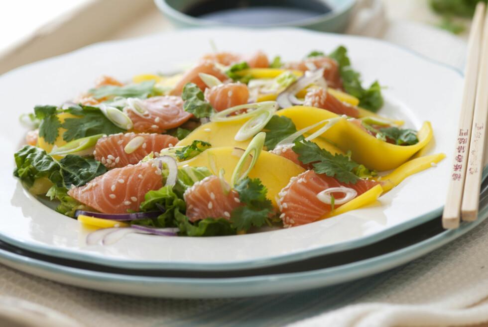 SUNN MIDDAG: Røttingsnes Westlies sashimi med mango og koriander. Foto: Marit Røttingsnes Westlie