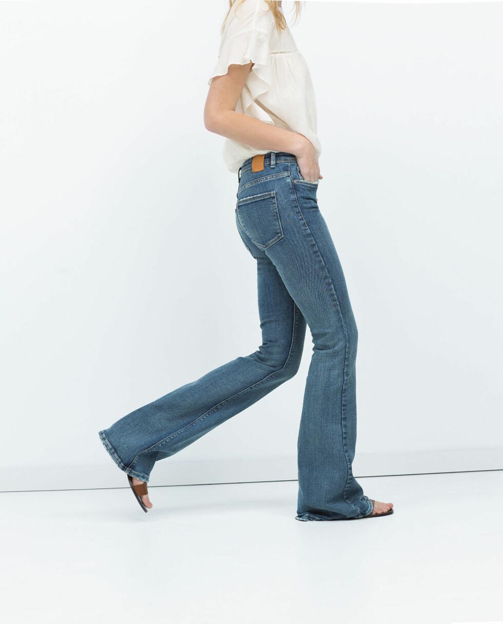 LENGRE BEN: Sesongens mest populære bukser, slengbuksene, er perfekt dersom du vil skape en illusjon av lange ben. Jeans fra Zara, kr 399.  Foto: Produsentene
