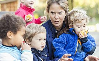 Scener fra en barnehagegarderobe