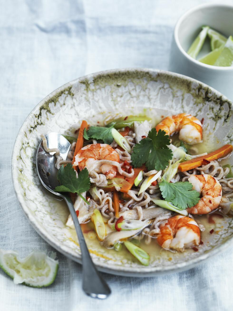 SPICY: Chili og ingefær piffer opp denne asiatiske suppen! Foto: All Over Press