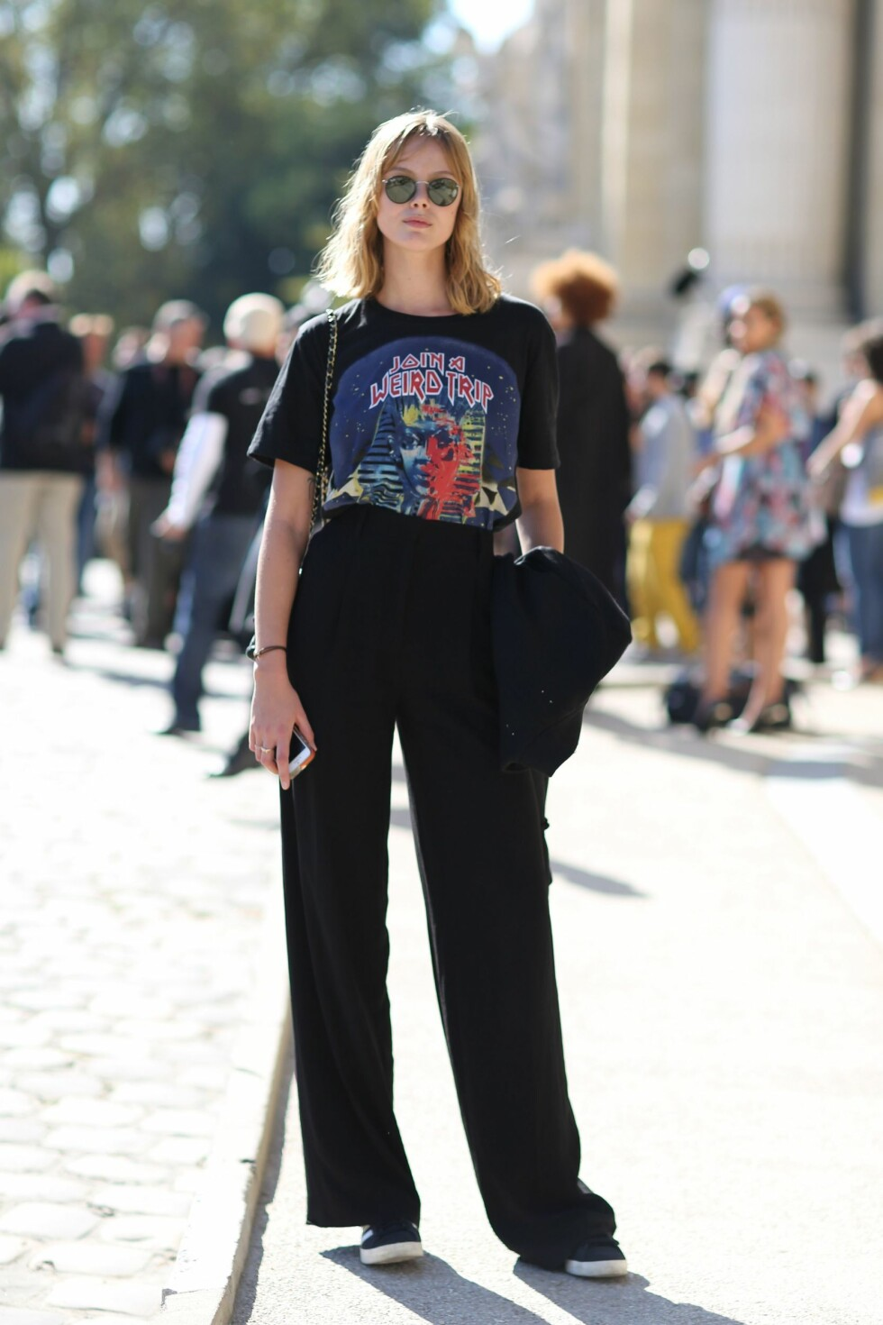 For noen sesonger siden moderniserte motehuset Balenciaga den retro trenden i en T-skjorte kolleksjon med vintage-inspirert motiv. Foto: All Over