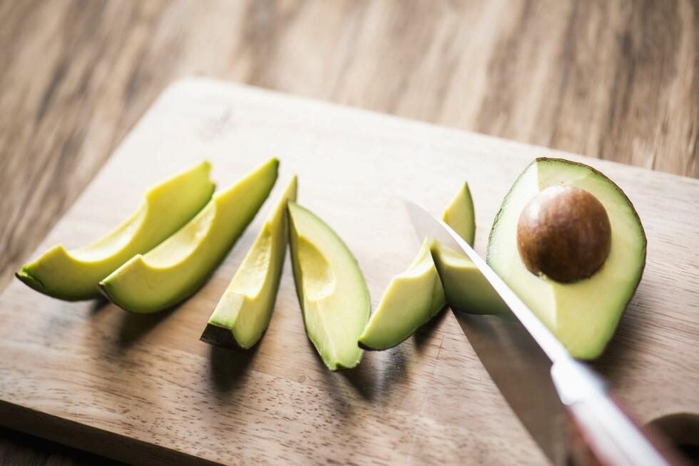 SUNT FETT: Avokado er full av fett, men det er fett som er bra for deg. I tillegg kan fettet hjelpe kroppen din å ta opp antioksidanter fra de andre grønnsakene i salaten.  Foto: (c) Lee Wonyeop/TongRo Images/Corbis/All Over Press