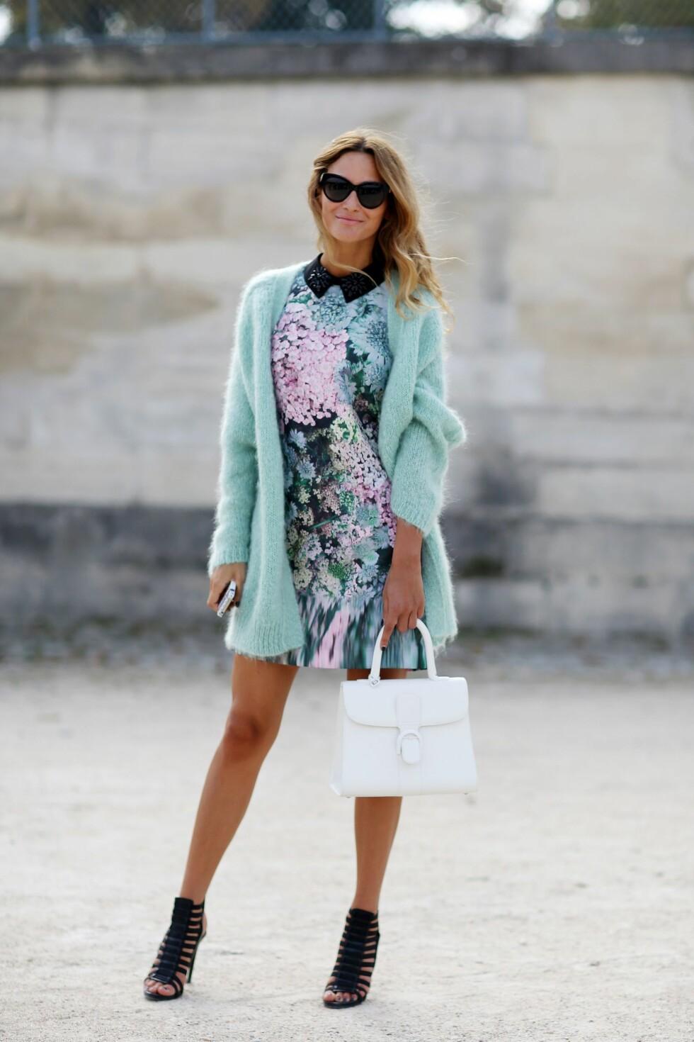 En cardigan i strikk er en livredder når du vil bruke kjole, men er redd for å fryse.  Foto: All Over