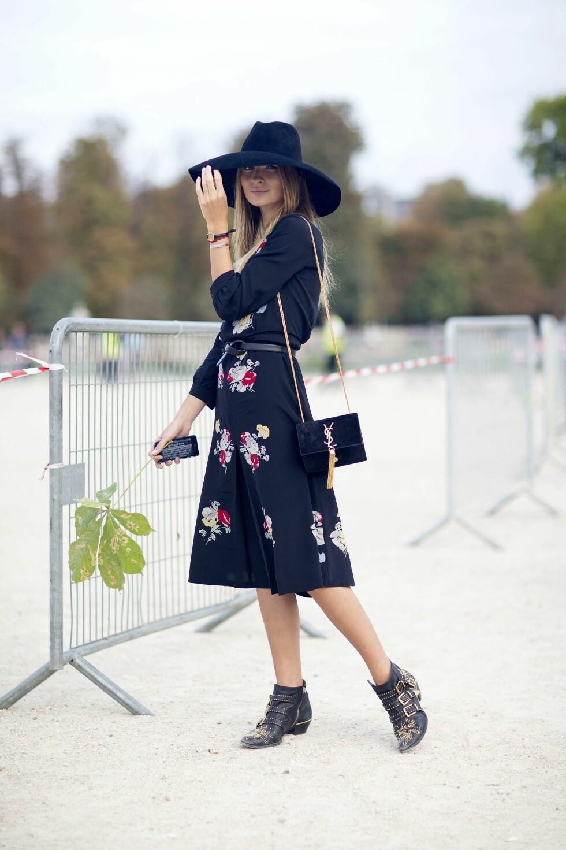 Style kjolen med røffe boots for en mer hverdagslig look.  Foto: All Over