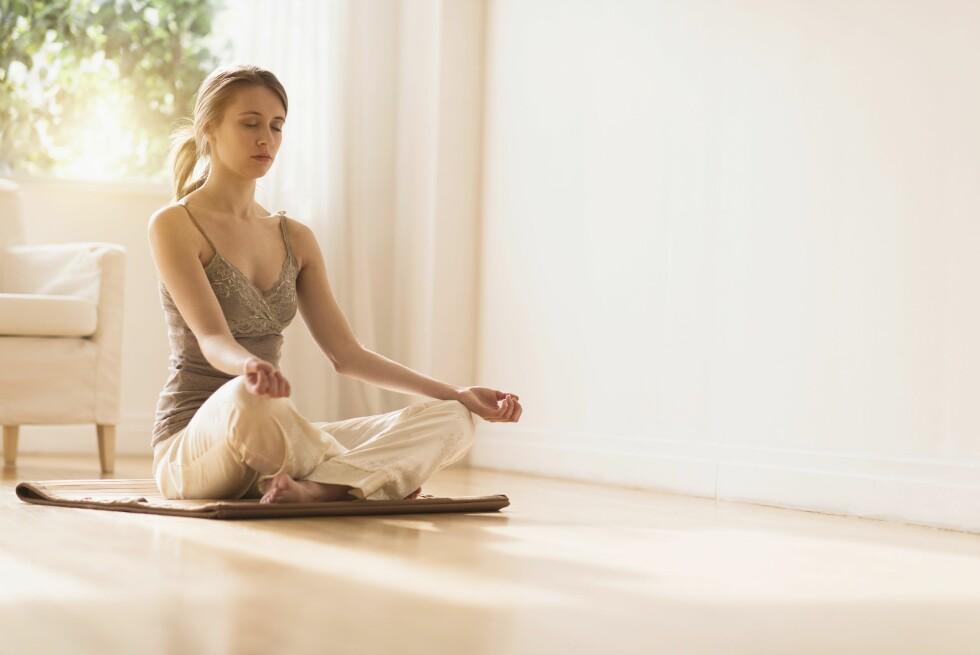 BEDRE KJENT MED OSS SELV: Det kommer naturlig med alderen, men mange bruker også mindfulness for bedre å komme i kontakt med seg selv.  Foto: All Over Press