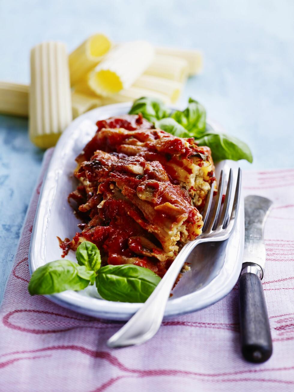 CANNELLONI: Cannelloni er en italiensk matrett som består av brede pastarør fylt med kjøtt, ost eller grønnsaker. Foto: All Over Press