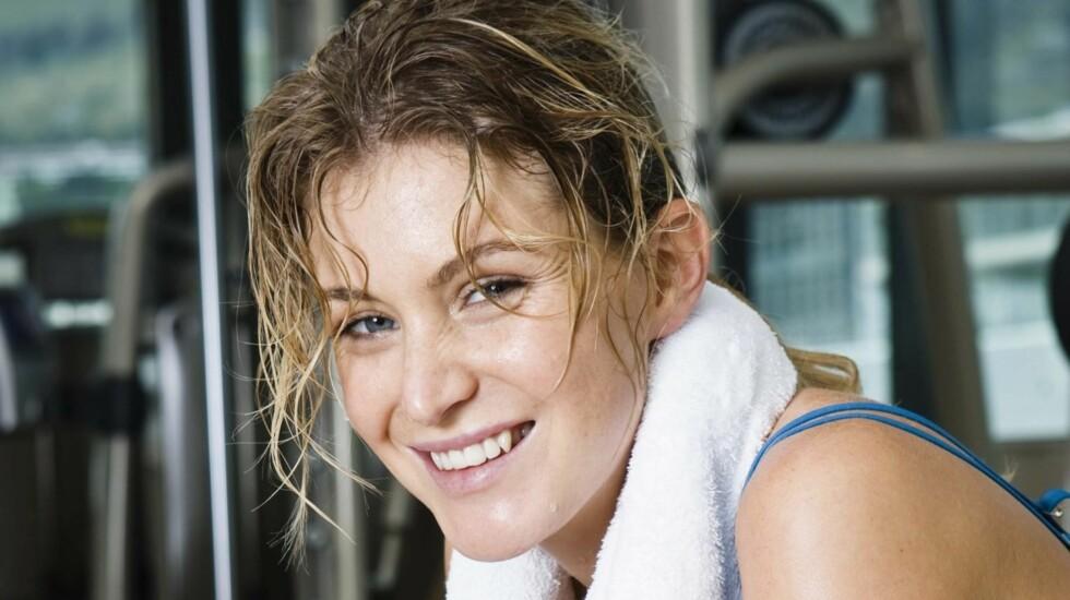 SVETT I HÅRET AV TRENING?: Renner det av håret ditt etter treningsøkten? Få ekspertens tips til hvordan du som trener mye tar best vare på håret ditt i saken nedenfor!