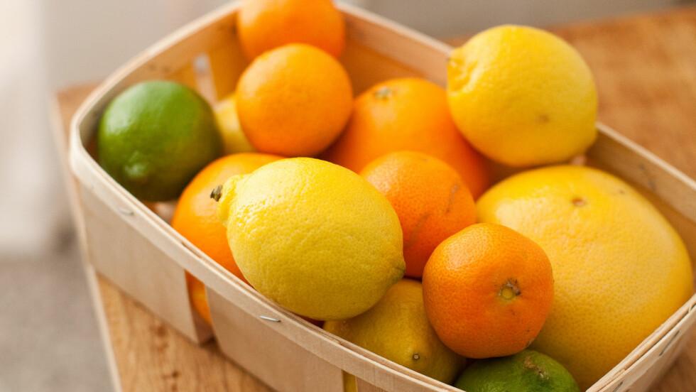 SITRUSFRUKTER: I tillegg til å være proppfulle av C-vitamin, har mange sitrusfrukter en rekke helsebringende egenskaper.  Foto: REX/Garo/Phanie/All Over Press
