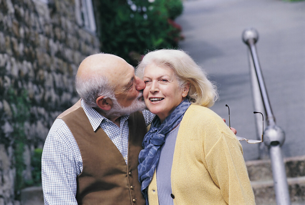 HETEROFIL ELLER HOMOFIL: Mens noen liker menn, og kanskje til og med den samme mannen, livet igjennom, endrer andre seksuelle preferanser.  Foto: All Over Press
