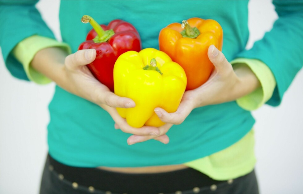 RIK PÅ VITAMIN C: Paprika er supersunt og proppfullt av næringsstoffer, deriblant vitamin C - som kan holde deg frisk i forkjølelsessesongen.  Foto: Thinkstock