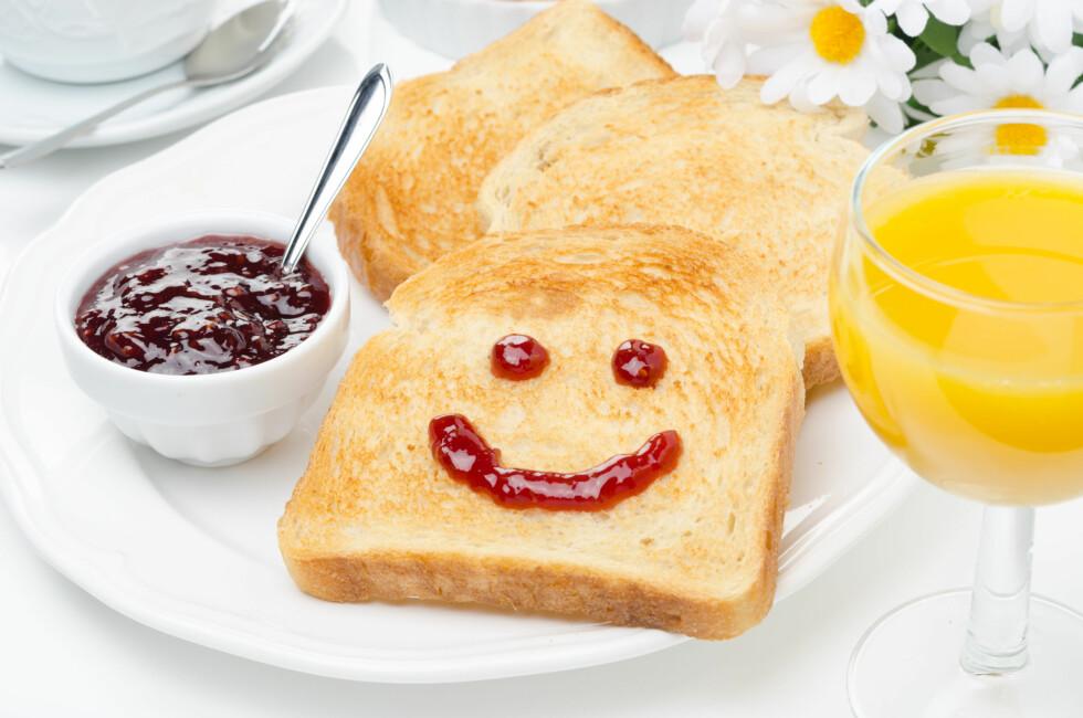 VERSTINGER:Syltetøy, fruktjuice og lyst brød er noen av våre daglige sukkersyndere.  Foto: cook_inspire - Fotolia