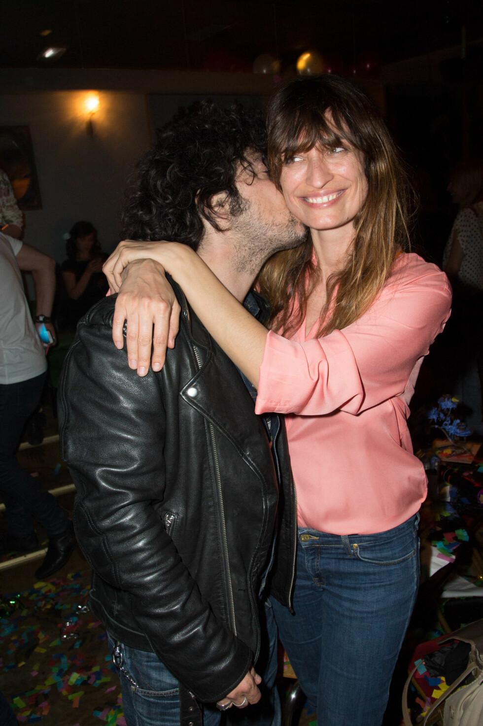 Caroline de Maigret og kjæresten Yarol Poupaud driver plateselskapet Bonus Track Records sammen.  Foto: (c) Stephane Cardinale/People Avenue/Corbis/All Over Press