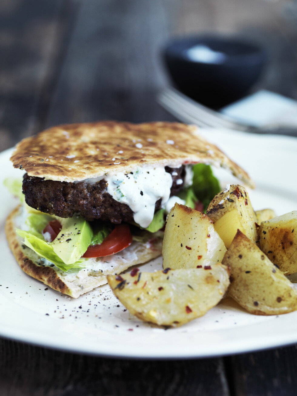 KRYDRET FAVORITT: Familiefavoritt! Herlig burger med litt krydderspiss på. Foto: All Over Press Foto: All Over Press