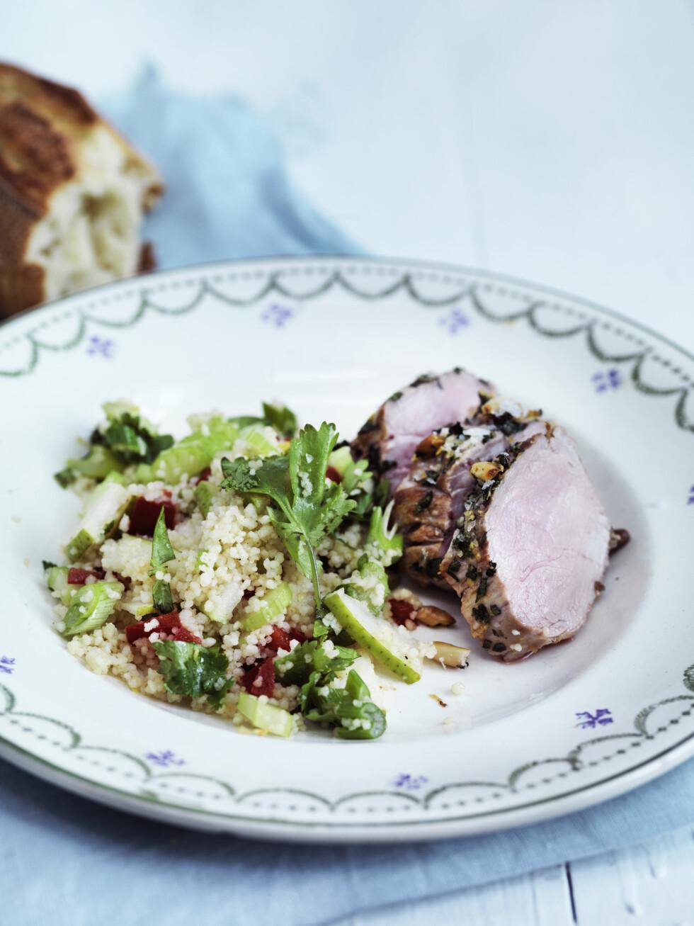 DEILIGE SMAKER: Et streif av Midtøsten! Couscousen får et friskt løft med sitron og kanel. Foto: All Over Press