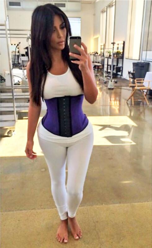 SUPERKJENDISEN: Kim Kardashian i klassisk healthie. Foto: All Over Press