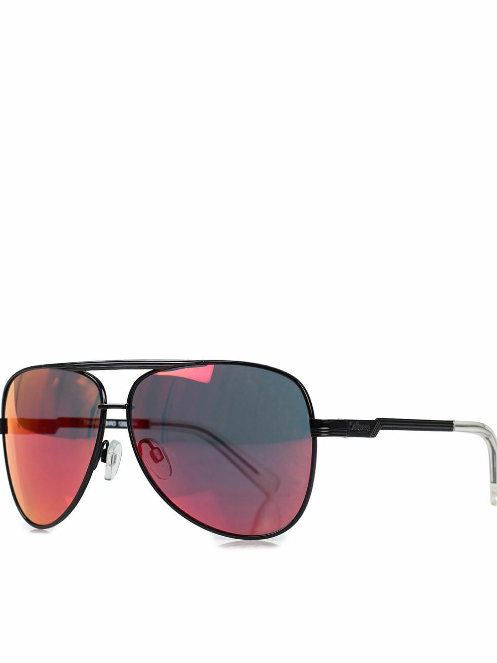 Solbriller fra Le Specs via Nelly.com, 549 kr. Foto: Nelly.com