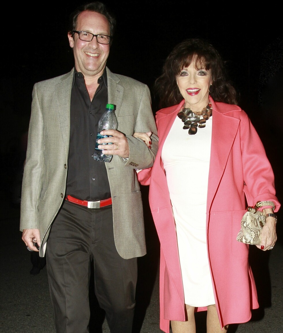 32 ÅRS ALDERSFORSKJELL: Joan Collins og Percy Gibson giftet seg i 2001. Gibson er Collins' femte ektemann.  Foto: PacificCoastNews/All Over Press