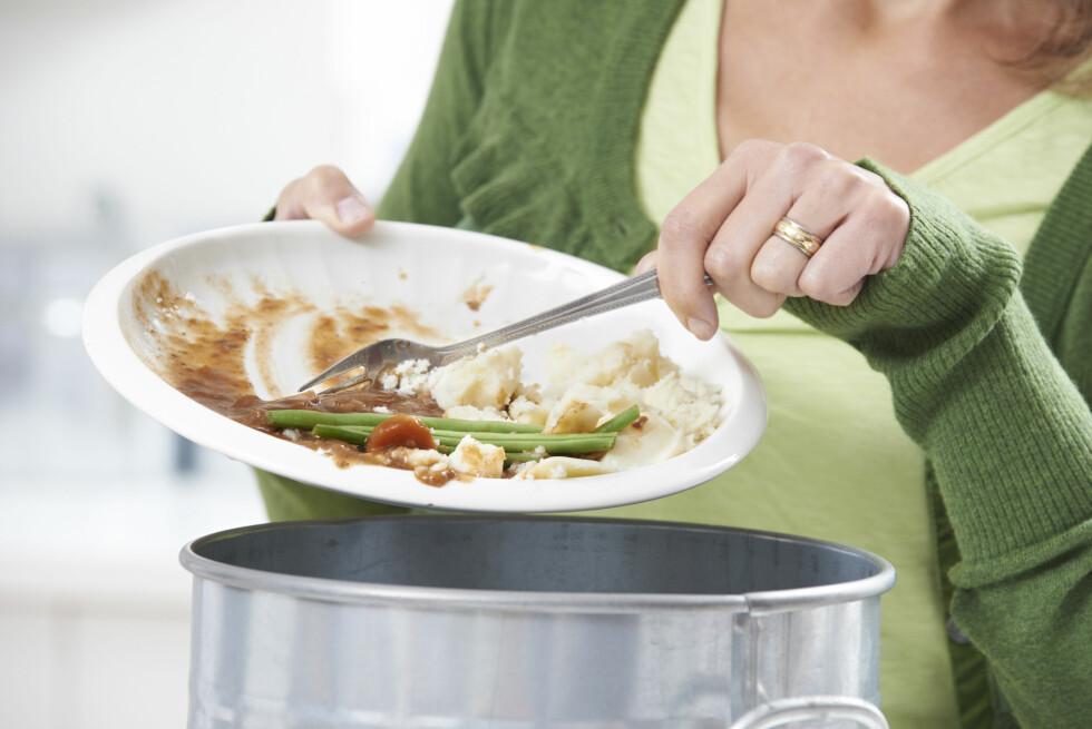 RYDD VEKK MATEN: Et godt tips kan være å rydde vekk maten med en gang du er ferdig å spise. Da unngår du småspising ut over ettermiddagen.  Foto: highwaystarz - Fotolia