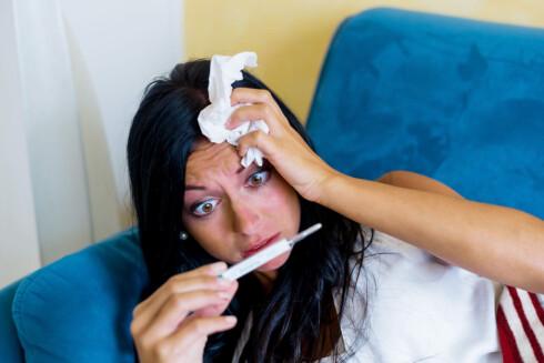 DU HAR INFLUENSA NÅR ... Akutt feber, muskelsmerter, forkjølelse og sykdom i en uke er typiske influensategn.  Foto: Fotolia