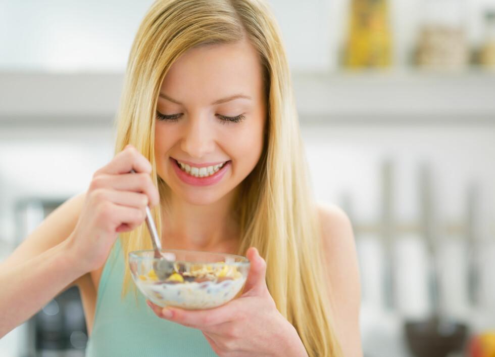 KVELDSMAT: Er du en av dem som ikke spiser etter klokken 18 fordi du lever i god tro om at det å spise sent resulterer i vektøkning? Det stemmer ifølge eksperten ikke.  Foto: Alliance - Fotolia