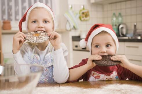 SMIIIIL: Knips bilde med mobilen, og bruk det rett på julekortet. Foto: All Over