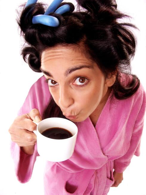 FARGEVALG ER VIKTIG: Kaffe fra en hvit kopp skal visstnok påvirke smaken og gjøre den bitrere.  Foto: Fotolia