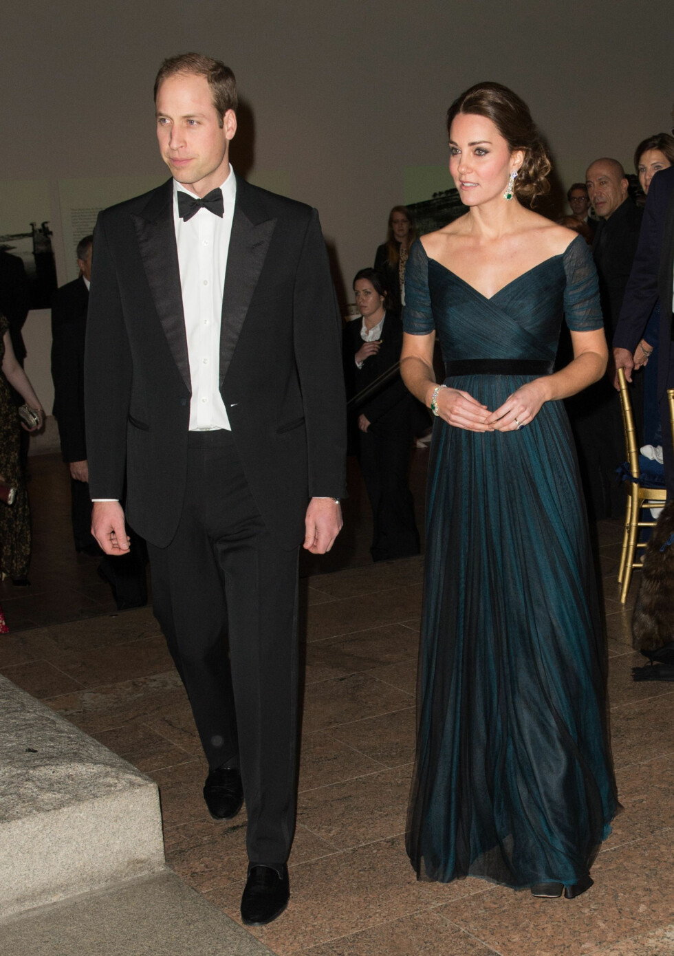 Prince William and Catherine Duchess of Cambridge Prince William and Catherine Duchess of Cambridge at the Metropolitan Museum of Art for the St Andrews 600th Anniversary Ball Foto: REX/Tim Rooke/All Over Press